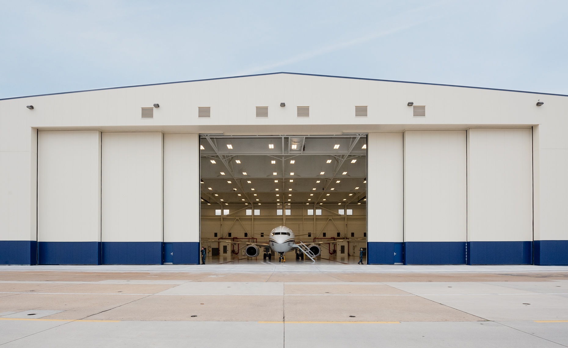 P837 C-40 Maintenance Hangar